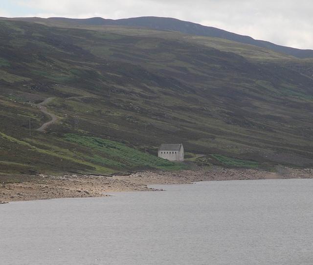 Reservoir gatehouse, Loch Lednock