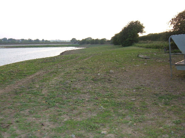 Low tide at Welford Reservoir