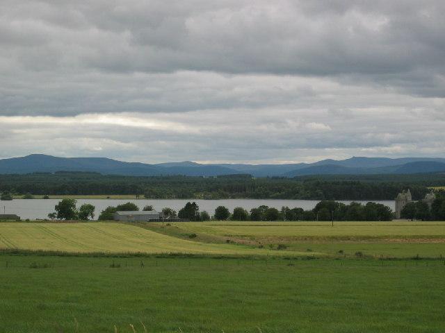 Looking towards Loch of Skene