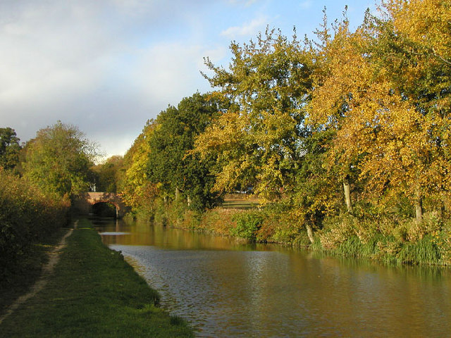 Easenhall Lane Bridge over the Northern Oxford Canal at Brinklow