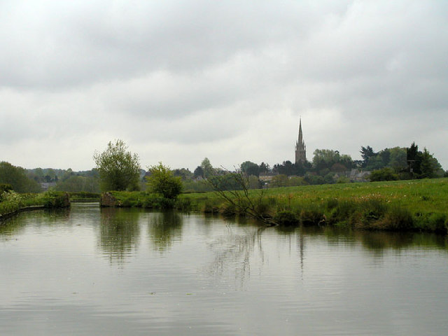 Kings Sutton from the Southern Oxford Canal