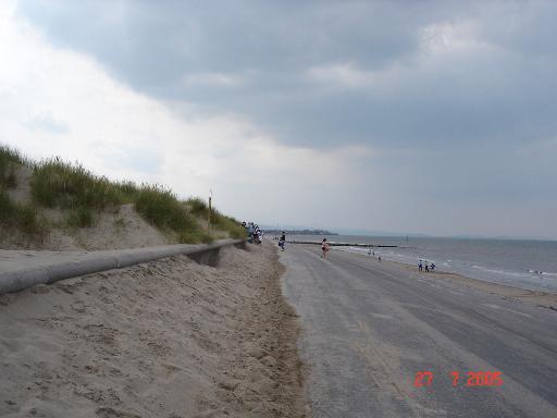 Ffrith beach promenade