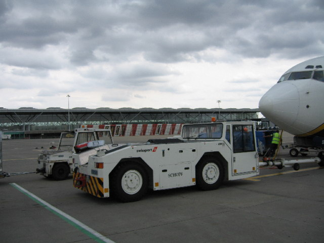 Stansted Airport apron and main terminal