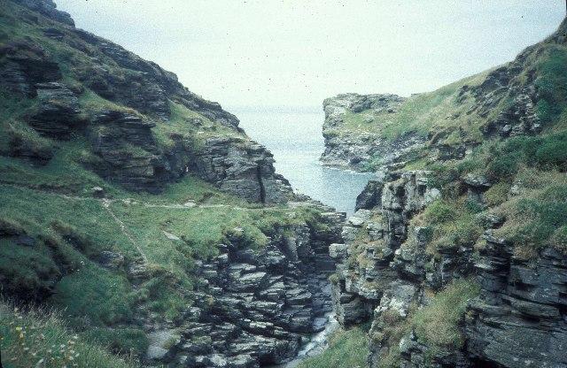Rocky valley, near Tintagel