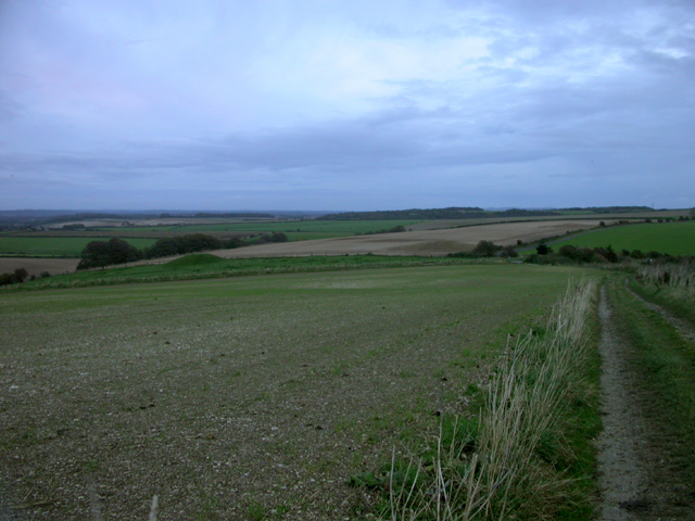 Ridgeway path near Maiden Castle