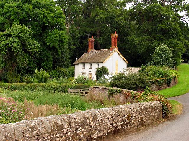 Cottage near Bromfield