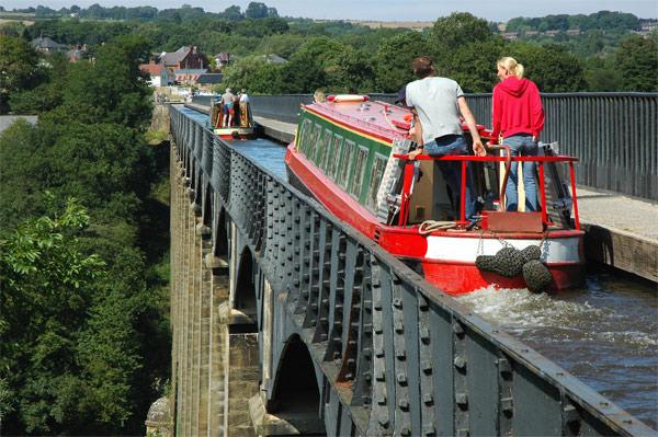 Crossing the Aqueduct.