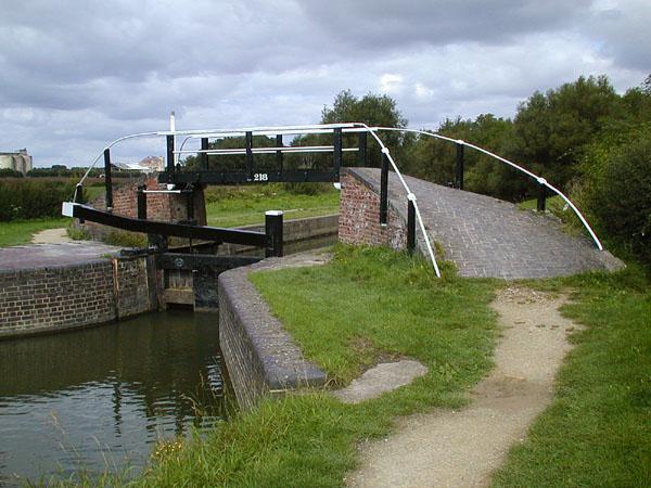 Shipton Weir Lock