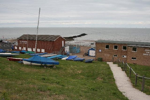 Boat club and Hampton Pier