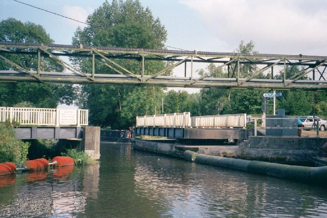 Road swing bridge across canal