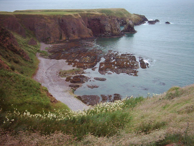 Bowdun Head and Castle Haven, near Stonehaven