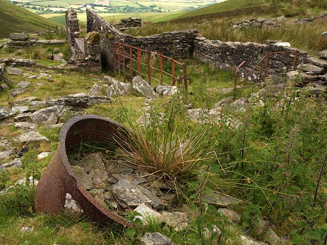 Sheep pens - Sartfell.   Isle of Man