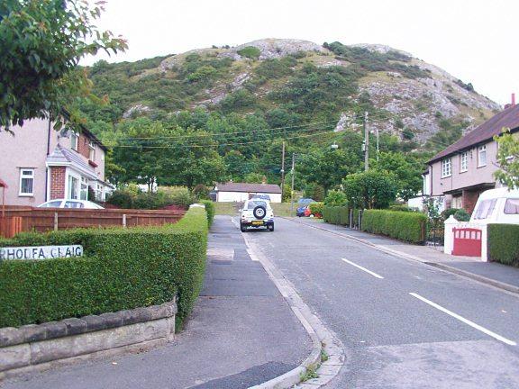 Rhodfa Craig Housing estate and Graig Fawr Hill