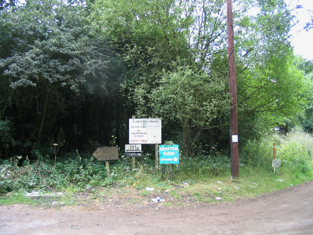Signs & rubbish, Curtis Mill Green, Essex