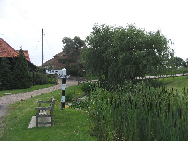 Pond and fingerpost, Woodhatch, Epping, Essex