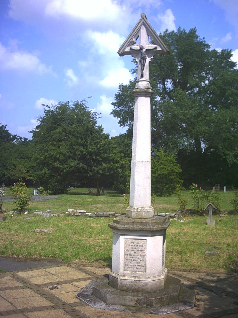 WW1 War Memorial, Lindsay Road Cemetery.