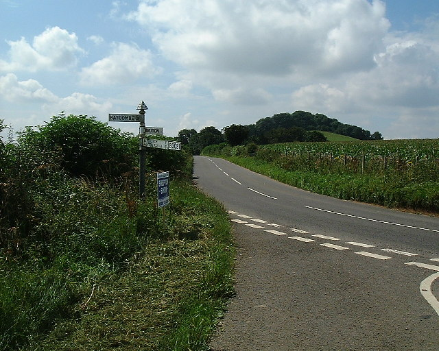Looking toward the high point from the Batcombe turning