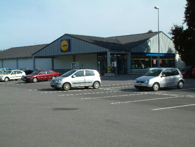 Lidl, Tricketts Cross