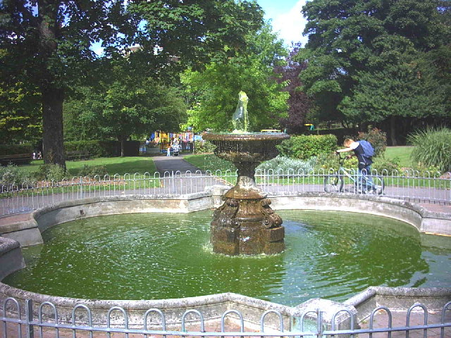 Fountain in Manor Park, Sutton.