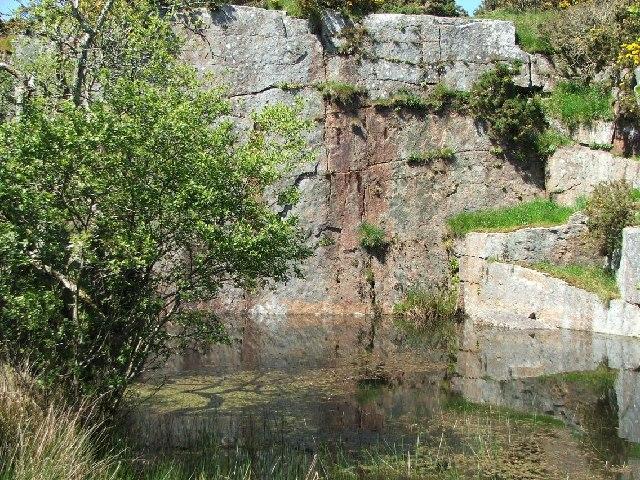 Carfury quarry © Malcolm Kewn cc-by-sa/2.0 :: Geograph ...