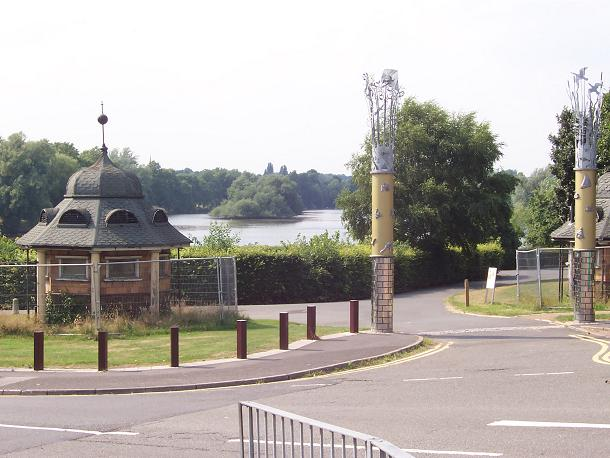 Brookvale Lake, south entrance