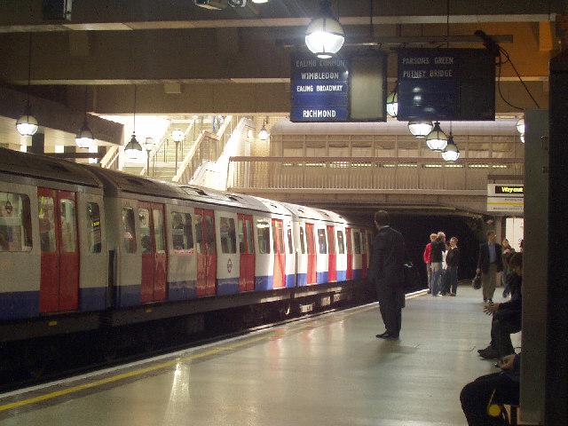 Gloucester Road Tube