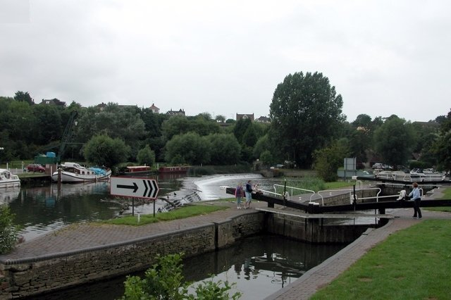 Kelston lock and weir, on the River Avon.