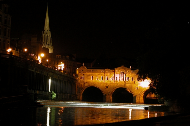 Pulteney Bridge, Bath - from river level
