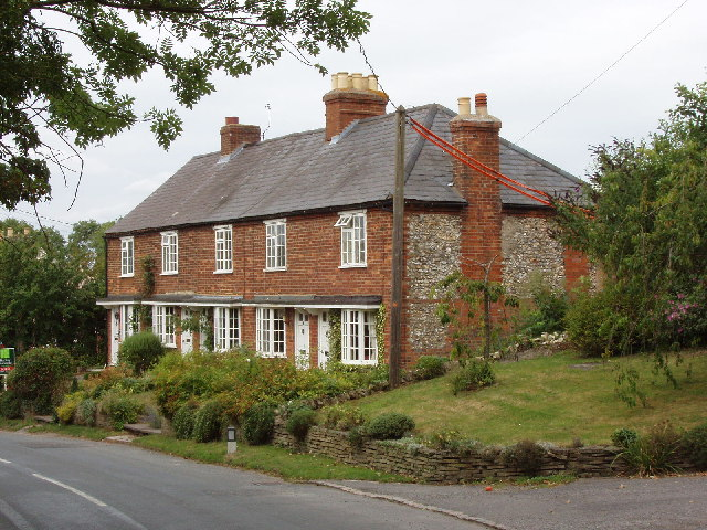 Houses in Bledlow, above Pitch Green
