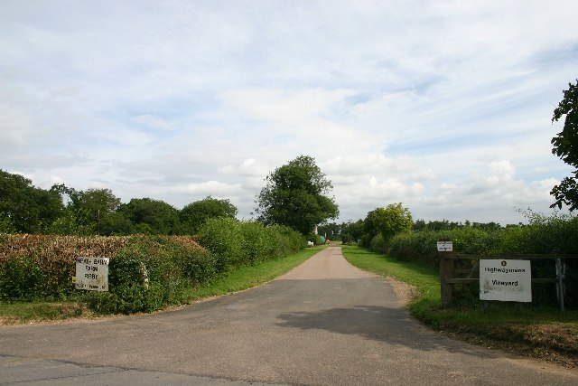 Track leading to Heath Barn Farm, Risby