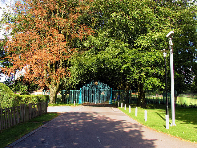 Entrance to Prior's Court School