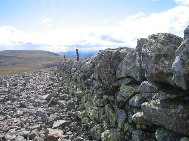 Dry stone wall on Carn of Claise