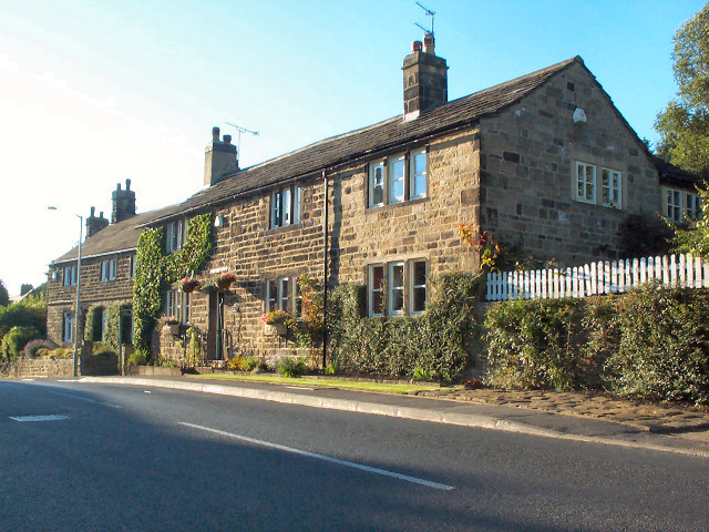 Cottages in Hawksworth Village