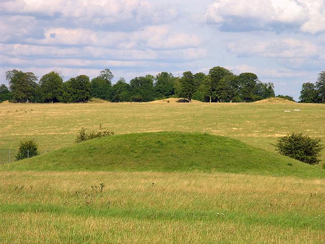 Mounds: Stonehenge