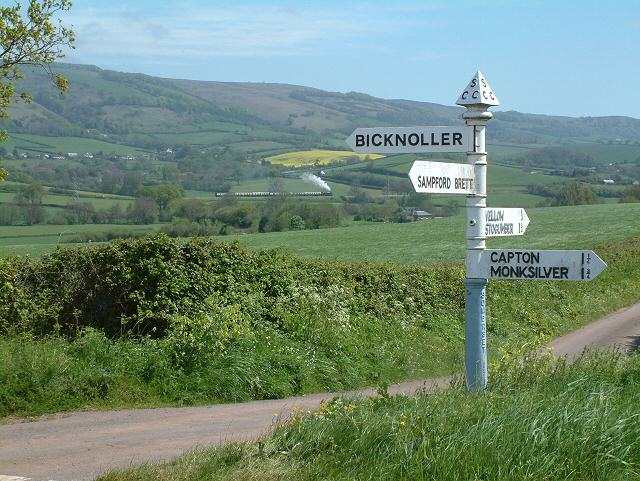 Crossroads near Vellow