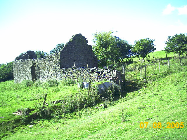 Ruins of old farm and buildings on the Begwns
