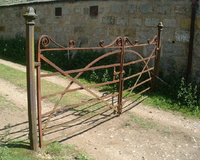 Wrought iron gate at steading by Old Kirkyard, Crathie