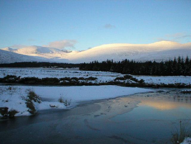 Toward Lochnagar from Glen Muick