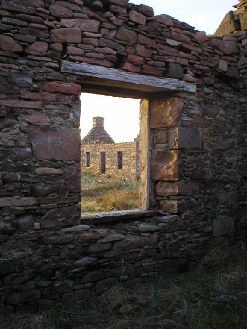 Derelict fisherman's houses, Coillegillie