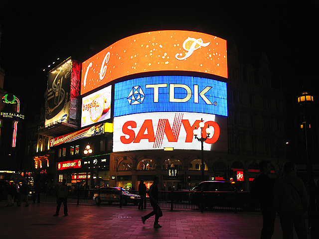 Neon Glow: Piccadilly Circus