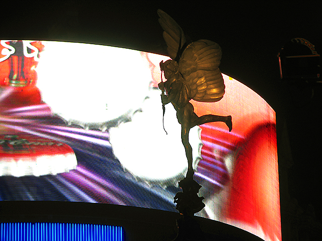 Eros at Night: Piccadilly Circus