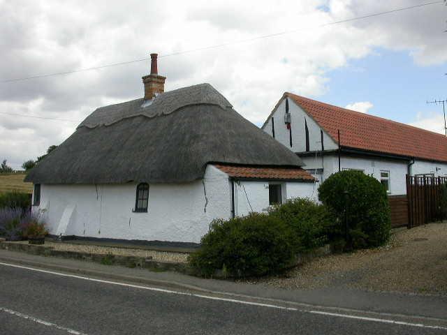 Cottage behind Polhill Arms