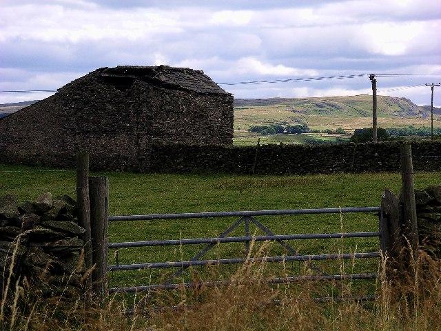 Derelict Barn near Helwith Bridge