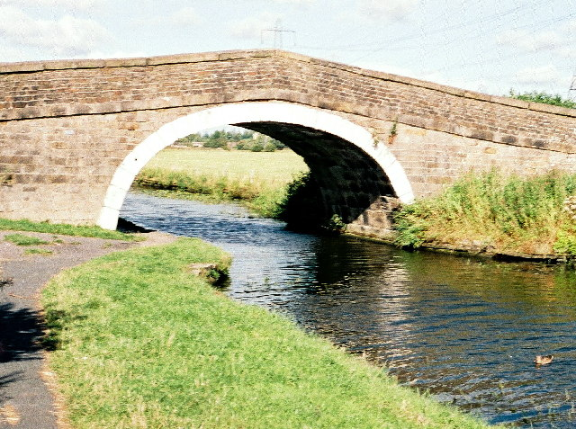 Canal bridge 107 (Cut Bridge) on the Leeds/Liverpool Canal