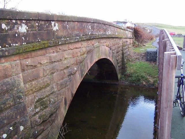 Bridge and footbridge over Fruin Water