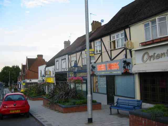Parade of shops in Cuffley