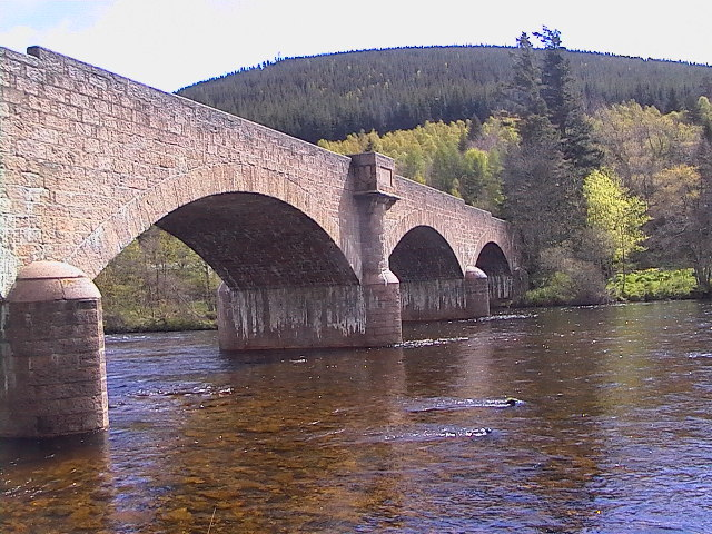 Bridge over River Dee at Ballater