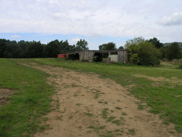 Run down farm buildings next to Godstone Road