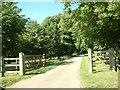 SU7587 : Lower Woodend Farm by Colin Bates