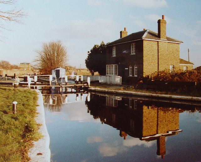 Grand Union Canal Lock, Norwood Green Middlesex
